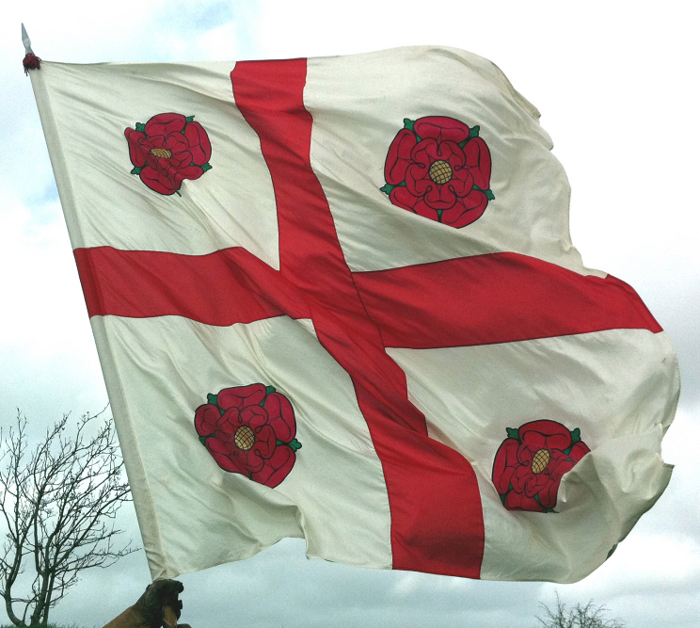 tudor-flag-armada-1588-flying Paul Webb