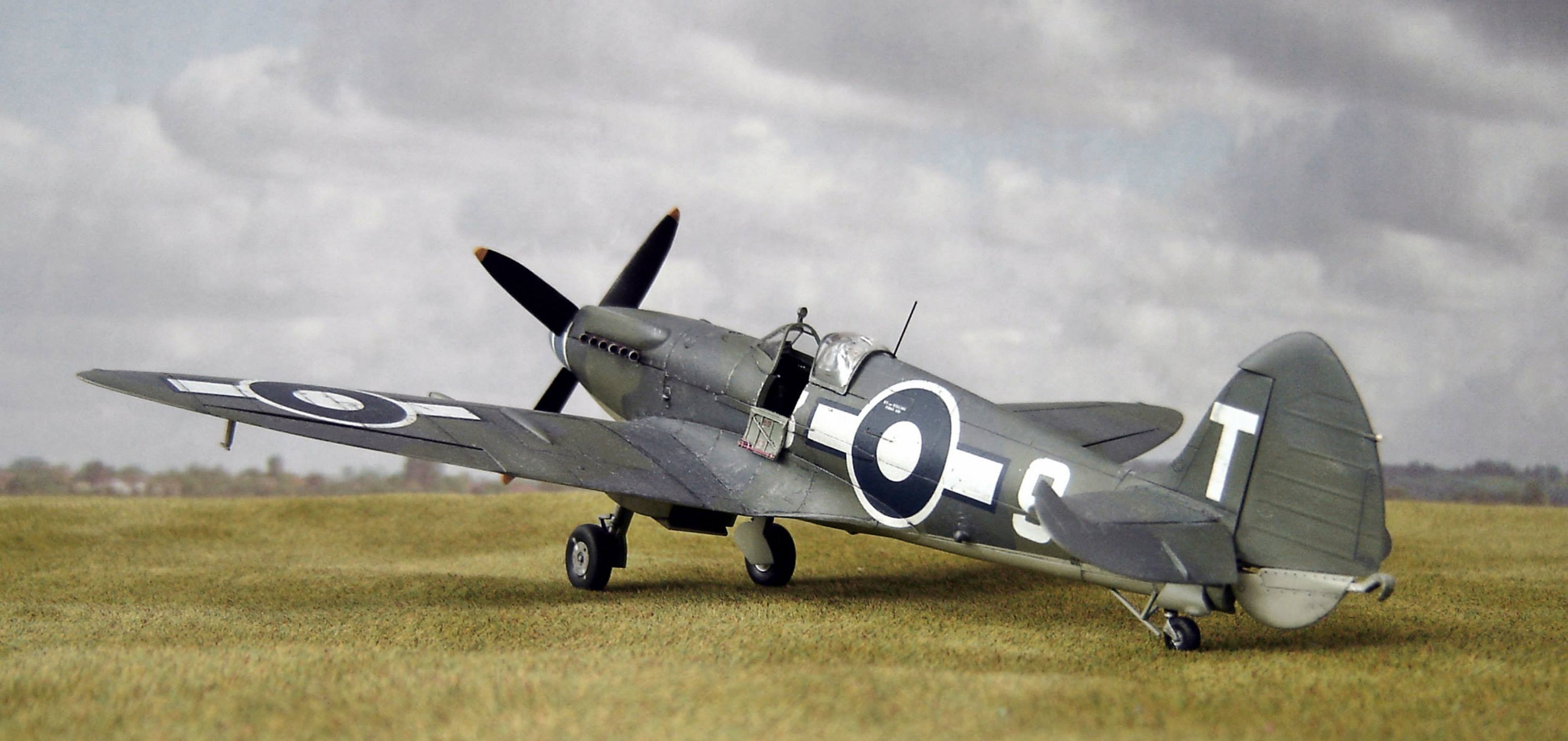 Seafire XV 1/48th scale Special Hobby