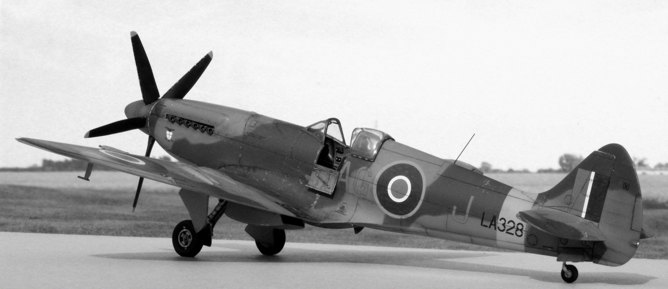Spitfire F Mk 21 of 600 Squadron (County of London) RAuxAF, Biggin Hill, 1947. Airfix kit-bash in 1/48th scale.